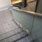 テナントビル階段ガラスフィルムサイン工事